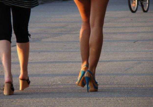 tacchi-gambe-donne