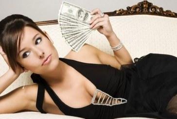 Preferite qualche orgasmo in più o un aumento di stipendio? Ecco cosa ci rende più felici