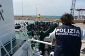 Arrestati tre presunti scafisti   Ieri lo sbarco a Pozzallo