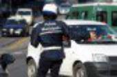 Adrano, furgone invade corsia opposta: due feriti
