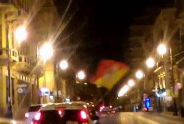 Referendum, trionfa il No e Palermo festeggia: caroselli in via Roma | VIDEO