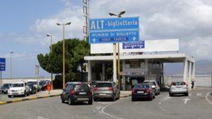 Messina, latitante arrestato con la moglie agli imbarcaderi