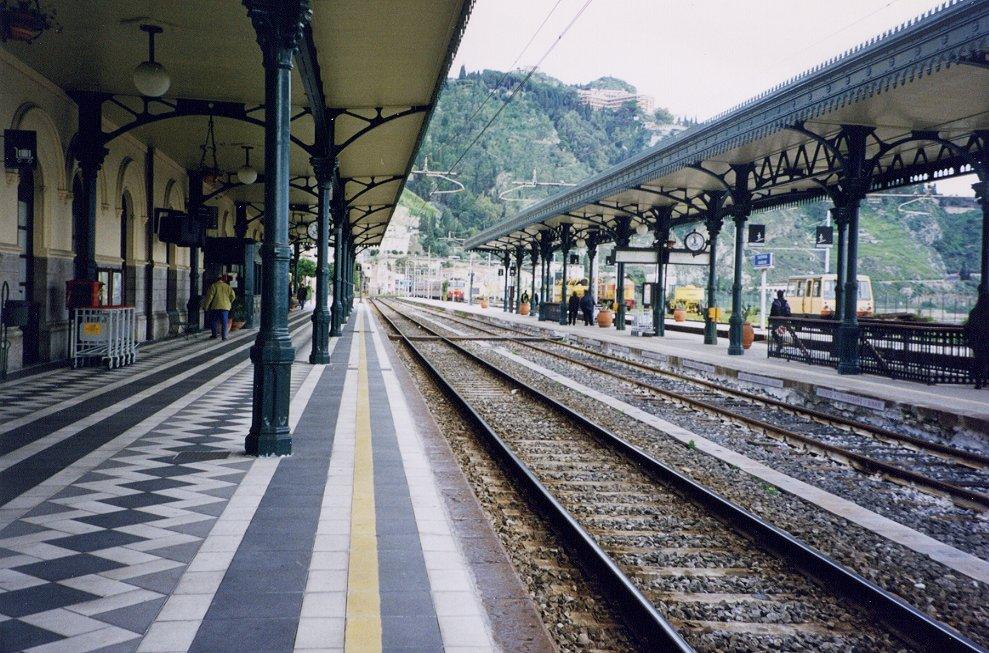 Risultati immagini per stazione