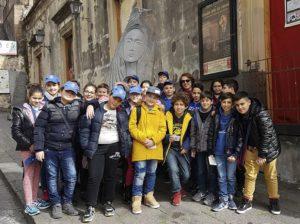 """Scolaresche in visita a Belpasso, mentre arrivano sponsor per la """"Città delle 100 sculture"""""""
