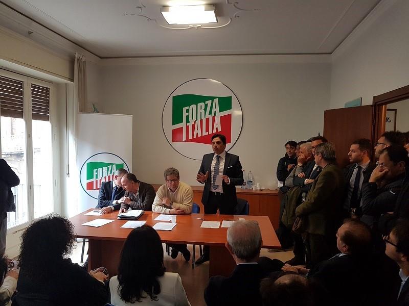 Forza italia presenta i coordinamenti delle municipalit for Deputati di forza italia