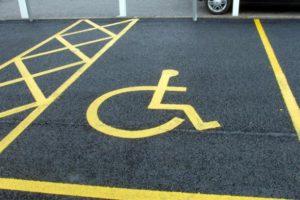 Disabili, la polizia municipale controlla i furbetti dei parcheggi