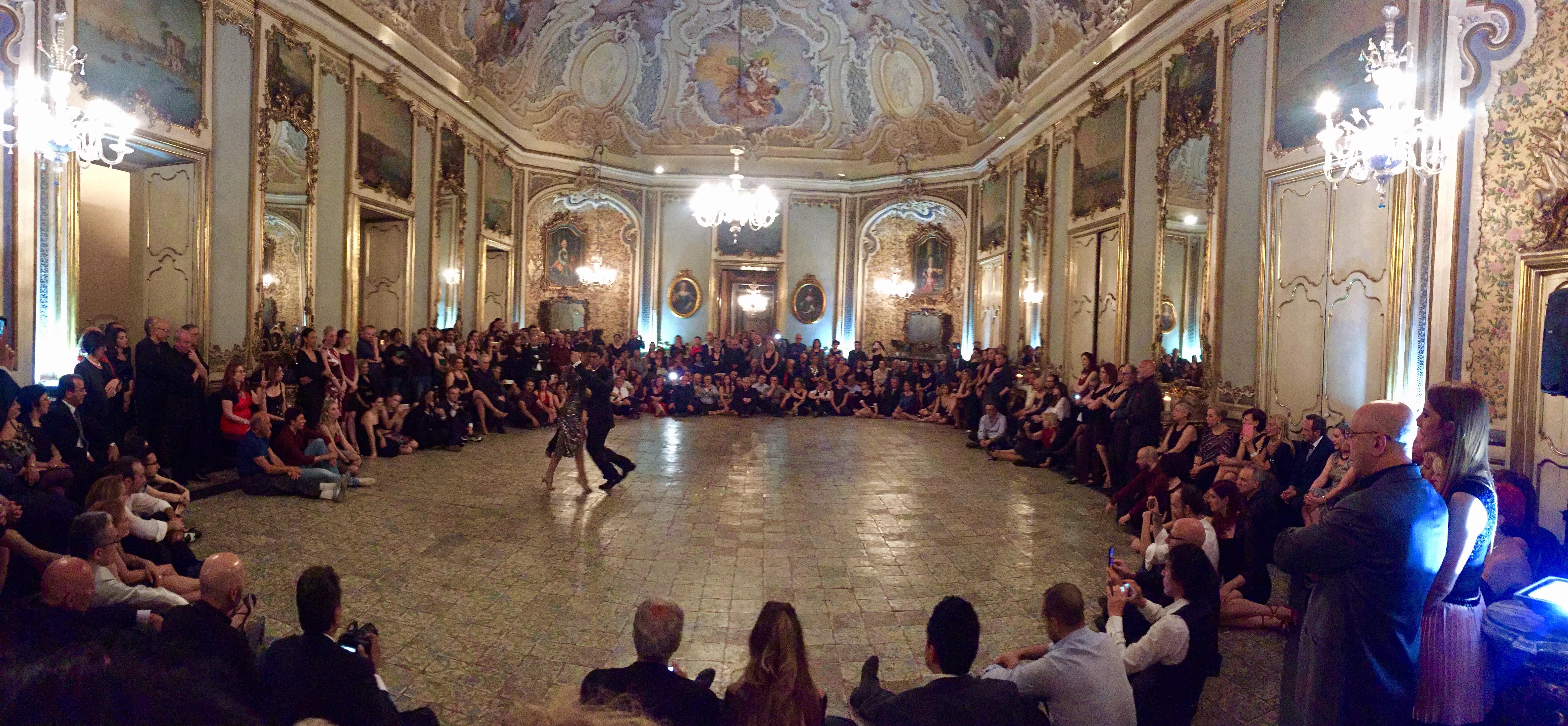 Tango di primavera emozioni indelebili a palazzo biscari for Palazzo 24