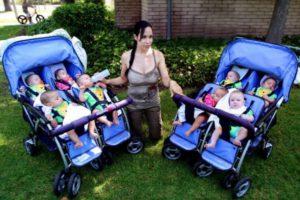 """Ha fatto nascere 8 gemelli: ecco com'è oggi la famosa """"ottomamma"""""""
