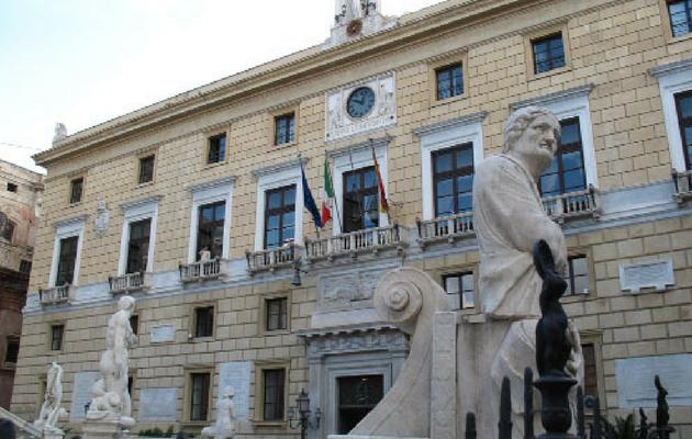 Leoluca Orlando presenta i nuovi assessori: molte conferme
