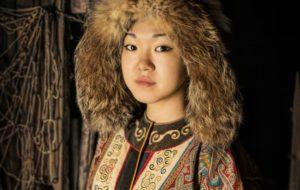 Fotografo cattura i volti delle donne più belle della Siberia