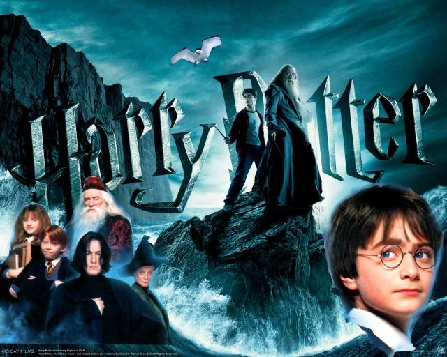 Gli attori di Harry Potter oggi –Il tempo passa anche per loro. Ecco gli attori che sono entrati nei nostri cuori grazie alla saga piú seguita e famosa di tutti i tempi! SFOGLIA LA GALLERY PER VEDERE LE FOTO Gli attori di Harry Potter oggi Possono passare gli anni, ma si continuerá a parlare ancora di loro per molti anni. Dieci anni trascorsi ad interpretare le fantastiche avventure dei personaggi descritti nei sette libri di J.K Rowling. Dei classici che, nonostante il tempo continui a passare, conquistano sempre il pubblico.