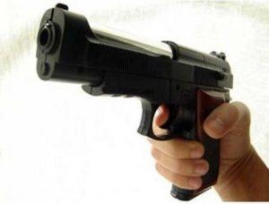 Trasforma giocattoli in armi da fuoco: si cerca fabbrica clandestina
