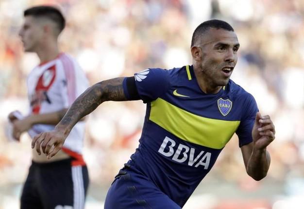 Carlos Tevez. 38 milioni di euro all'anno.