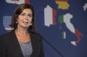 Laura Boldrini in visita alle Eolie: sopralluogo a Stromboli