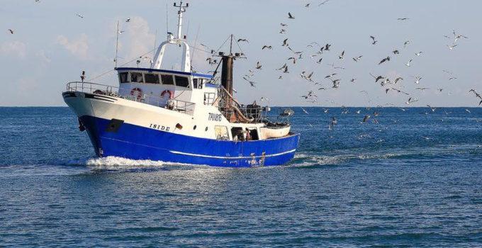 Due pescherecci siciliani sequestrati in Libia