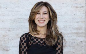 """Performance"": l'esilarante show di Virginia Raffaele arriva in Sicilia"