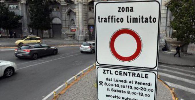 Ztl Palermo rinviata