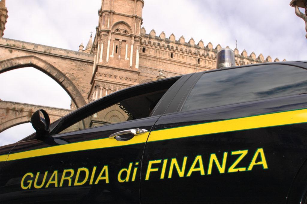 Arresti a Palermo e Milano