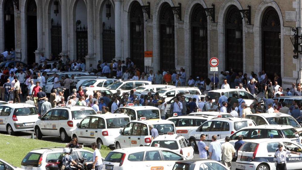 taxi in sciopero
