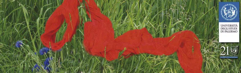 Sciarpe rosse contro violenze