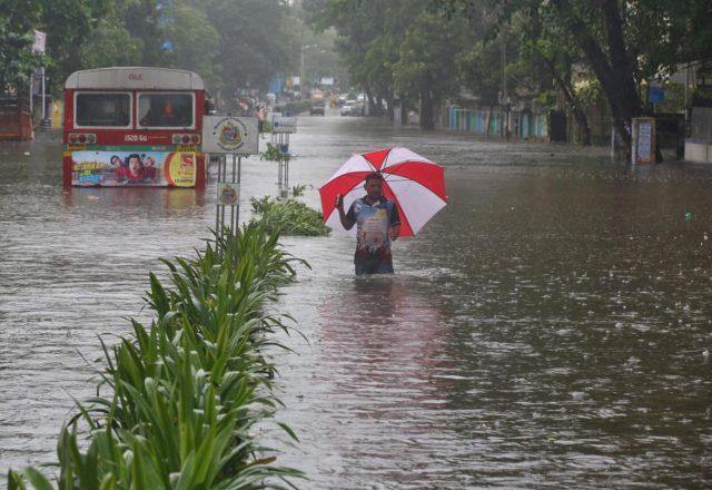 Ciclone Ockhi India