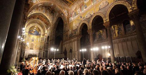 Settima musica sacra a Monreale. La settimana di musica sacra nel percorso arabo-normanno Unesco comincia martedì 12 dicembre alle 21 nella straordinaria cornice del duomo di Monreale con una monumentale
