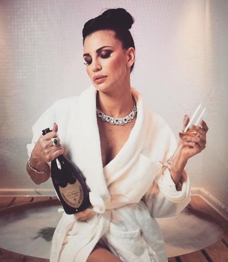 Casalegno Calendario.Claudia Galanti Torna Single Gia Finita Con L Ex Della