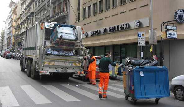 Servizio TG2 gestione rifiuti Palermo