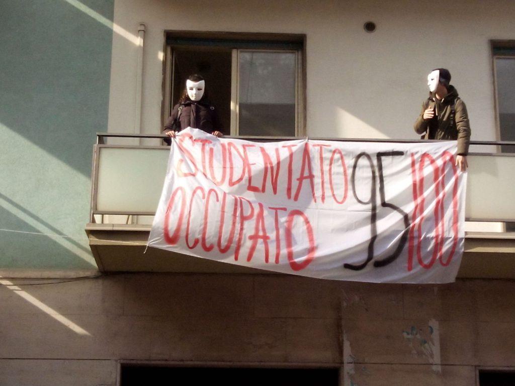 Occupato l'ex Hotel Costa a Catania