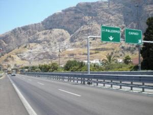 Incidente sulla A29 in direzione Palermo: traffico paralizzato