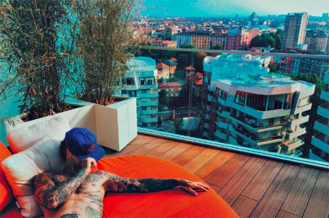 Fedez affitta l'attico di Milano