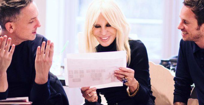 Donatella Versace dice basta alle pellicce
