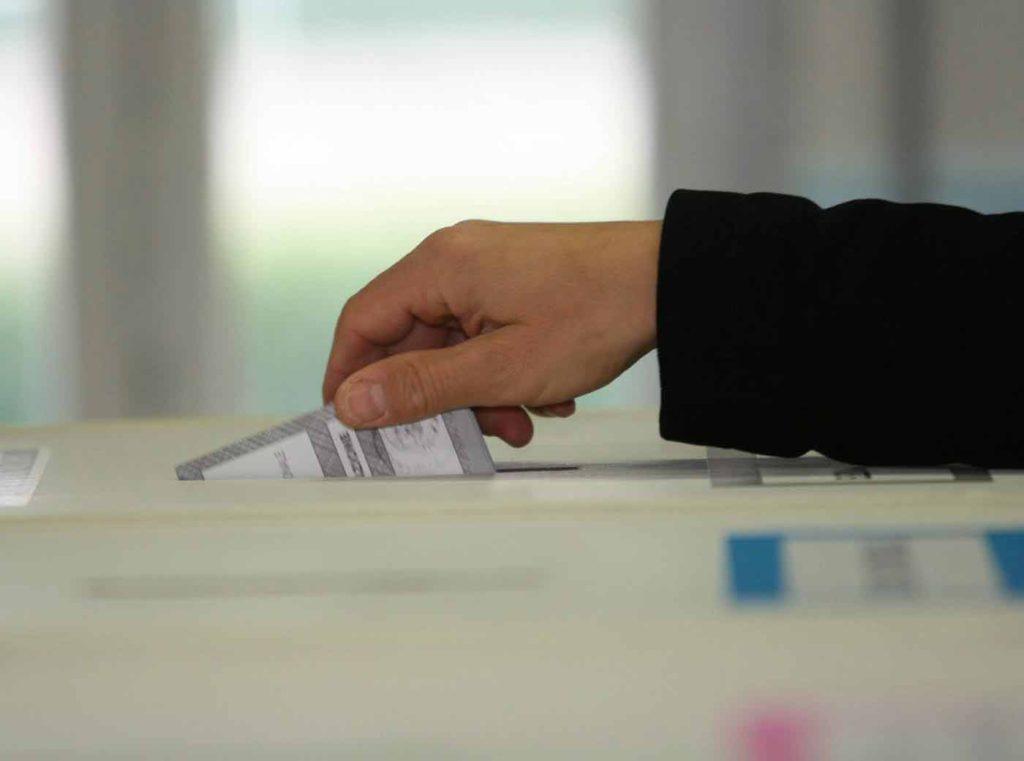 oggi si vota