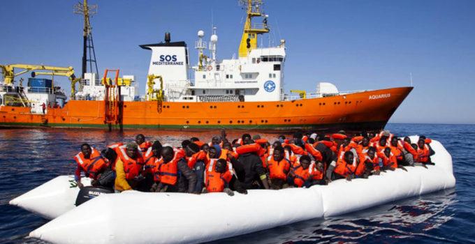 Salvini chiude i porti