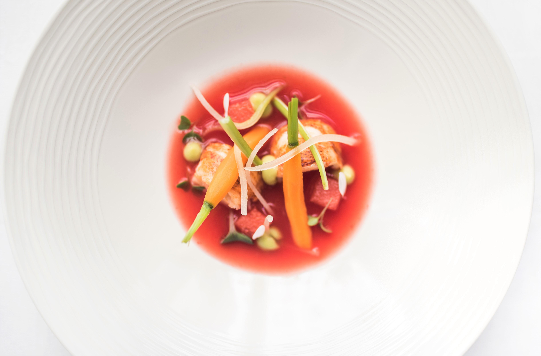 Aragostella con gaspacho di anguria, la ricetta di Roberto Toro