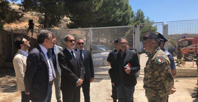 Musumeci a Lampedusa