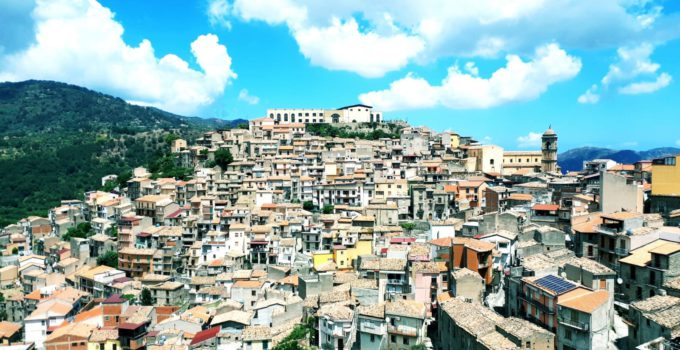 Case a un euro a San Pietro Patti