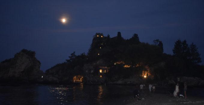 isolabella di notte