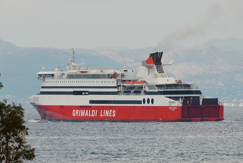 Incendio sulla nave