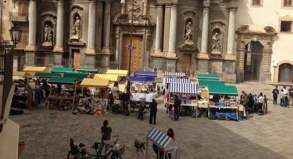 Hop Hop Market a Piazza Sant'Anna