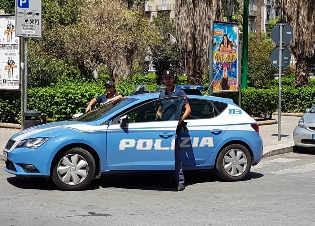 Arrestati due parcheggiatori abusivi
