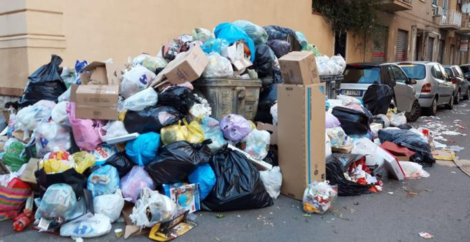 Palermo sommersa dai rifiuti