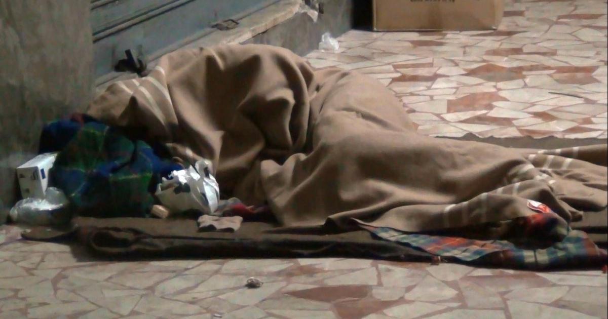 Morto clochard a Piazzale Ungheria: l'uomo era ferito alla testa