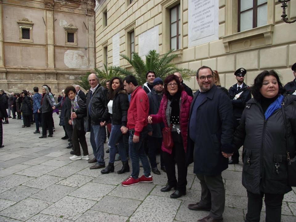 Catena umana a Palermo