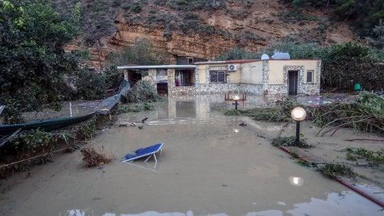 Sgombero case vicino ai fiumi in Sicilia