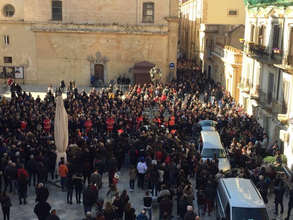 Funerali di Nicoletta a Marsala