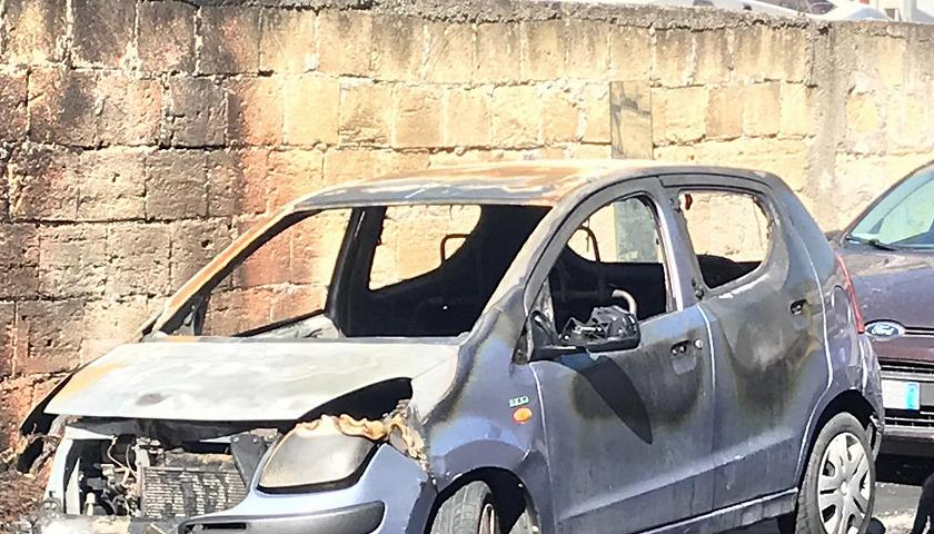 Bruciata auto di attivista di Libera