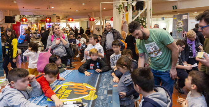 Invasione figurine Panini a Catania
