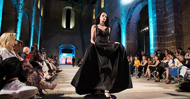 IAF-Influence of Art on Fashion Moda