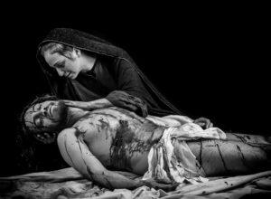 Volti di Passione di Massimiliano Ferro dal 24 aprile a Palazzo Jung